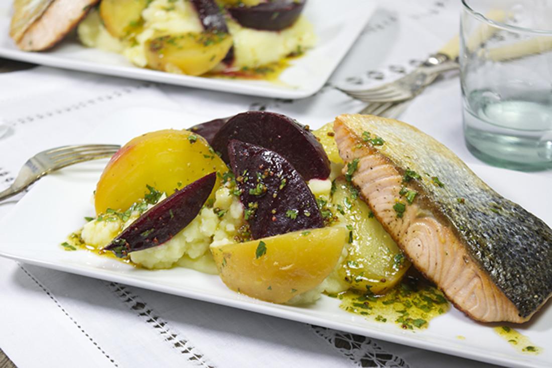 Rode Keuken Te Koop : zalm met rode en gele bieten – Uit de keuken van 8 Uit de keuken van 8